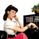 Lilly Tomlin as Operator